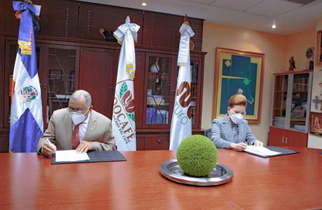 Fundación Sur Futuro y el Instituto Dominicano del Café (INDOCAFE) trabajarán unidos para apoyar a los caficultores del país