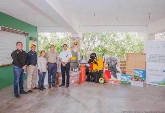La Fundación Sur Futuro, el Ministerio de Medio Ambiente y Fondo MARENA entregan equipos para la protección y vigilancia del Lago Enriquillo y presentan resultados del primer año